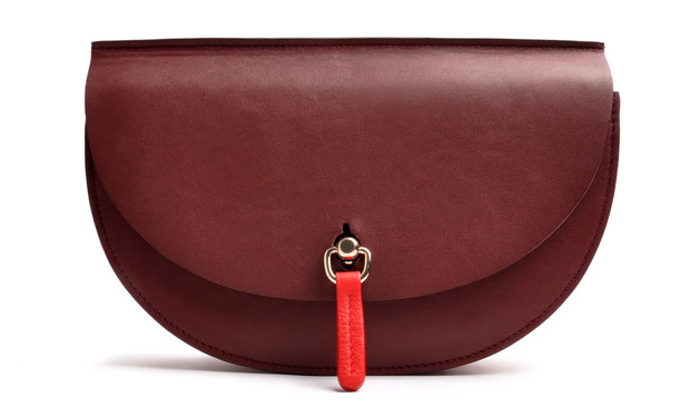 OSTWALD Bags . Finest Couture . Handcrafted Leatherbag . Saddle Bag . Bodybag . red