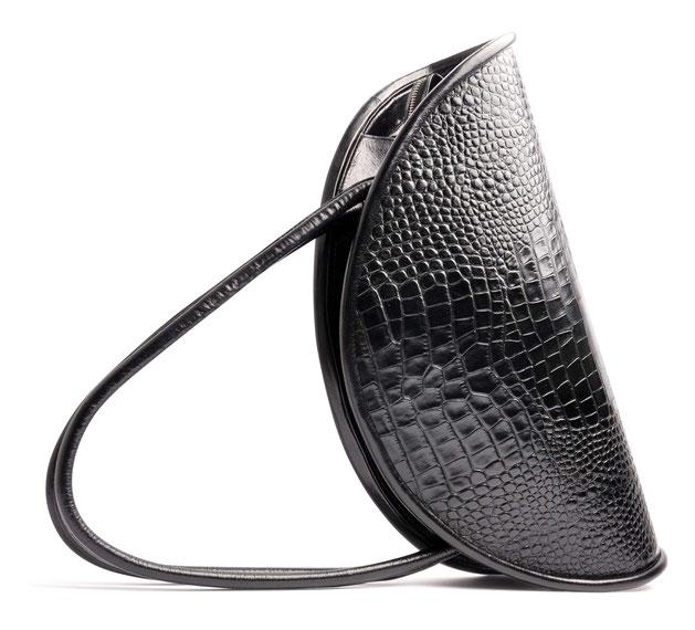 OSTWALD Bags . CALZONE . Tote bag . Icon Bag . black leather Shoulder bag. Shop online . Statement Bag .  croc embossed leather bag . Webshop