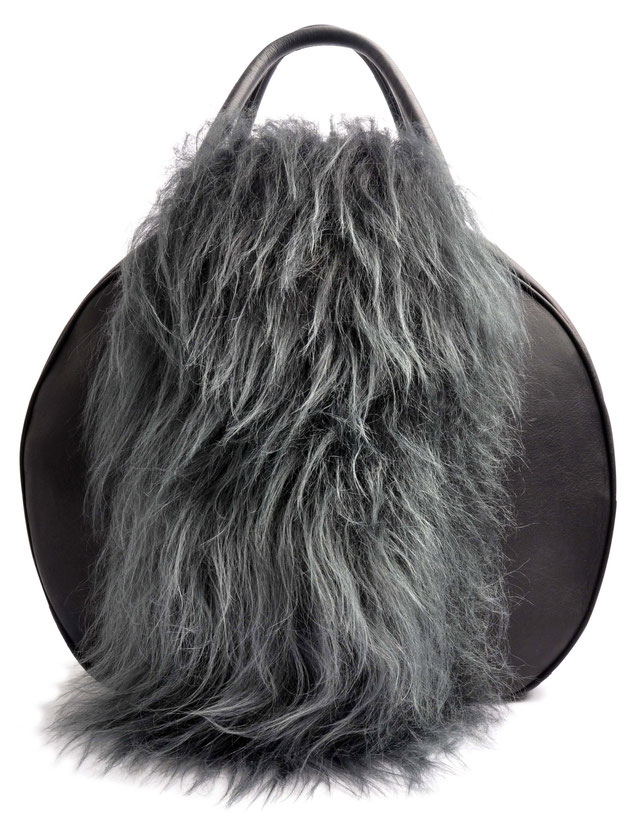 OSTWALD Bags . CIRCLE Bag . black and grey . material mix: leather and lamb fur.  Shop online . large everyday bag .  Webshop