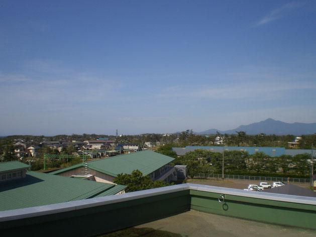 今日の屋上からの景色。全国で一番の熱風が吹き抜けました