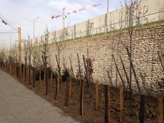 Construction mur de soutènement en gabions - mur poids