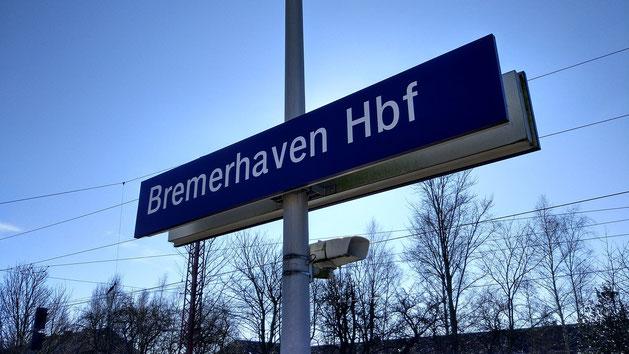 Bahnhofsschild Bremerhaven Hauptbahnhof
