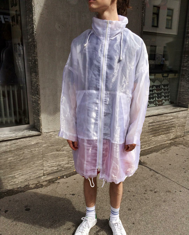 white transparent windbreaker / rainjacket. hooded, real vintage