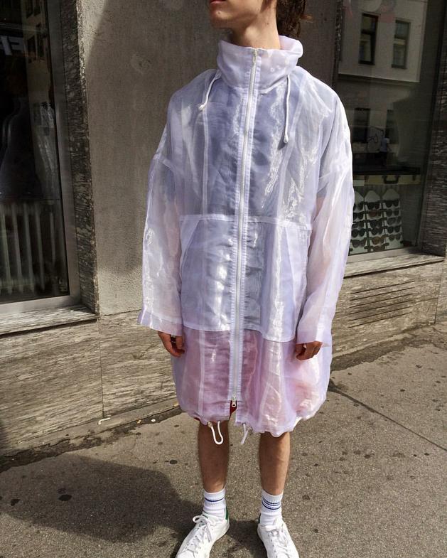 white transparent windbreaker / rainjacket. hooded, real vintage
