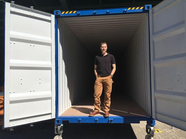 Container Türen offen Sebastian Gebhardt