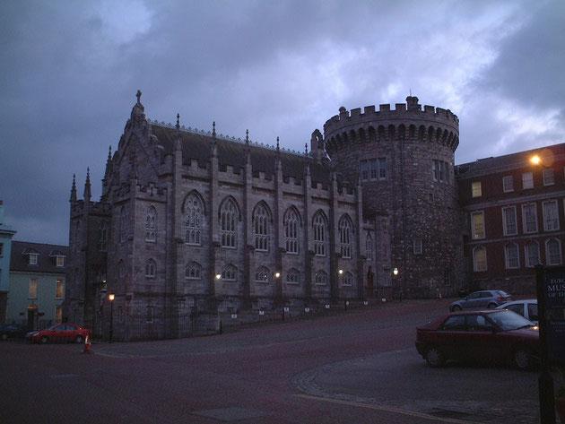 ダブリン市内にあったお城のような建物。これなんだったかなあ。裁判所?調べたらダブリン城でした。