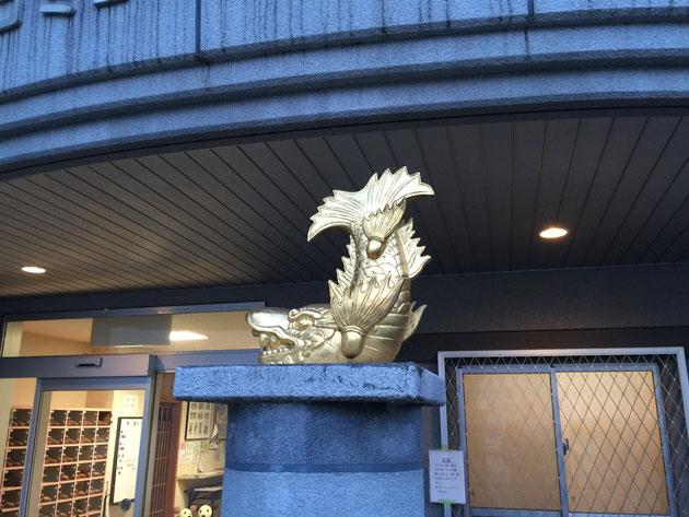 金色に光り輝くシャチ!名古屋といえば金シャチだなも。