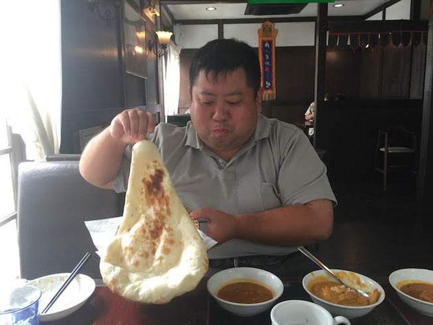 チャンダニさんのナンも大きい!!!