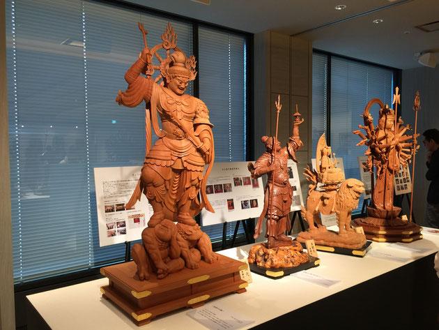 田中顧問の木彫仏像。こちらも物凄い。