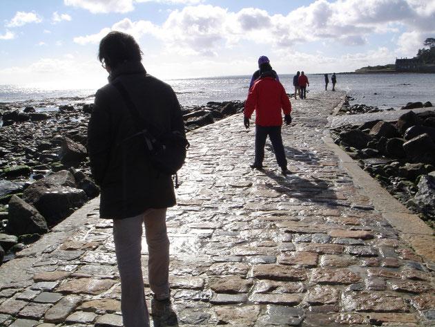 石畳はつるつるして滑りやすいので、歩きやすい靴で行かれるのがおすすめ!