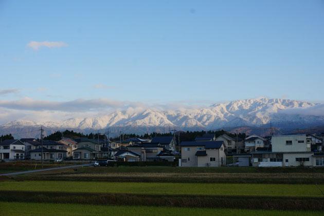 宿から見える富山の山々。美しい!