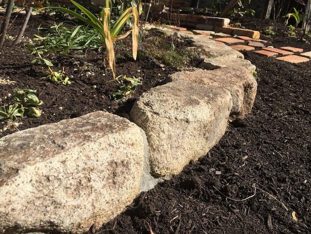 美濃石のごろた石。もの凄く使い易くていい石だ!!!柴ちゃんのオススメです。