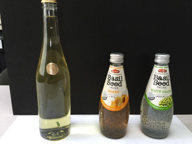 製品のバジルシードドリンクをとオリジナルを飲み比べてみた。