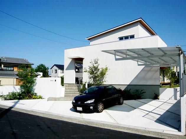 名古屋市 天白区M様邸 シンプルモダンエクステリア 白い壁が青い空に映えます。