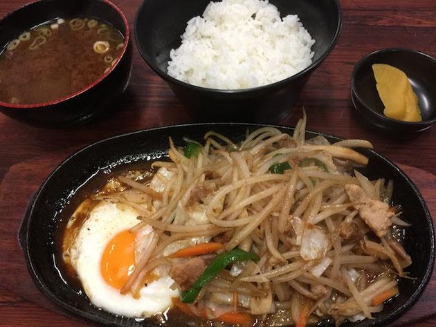 旅路の野菜炒め定食。最高です!!!