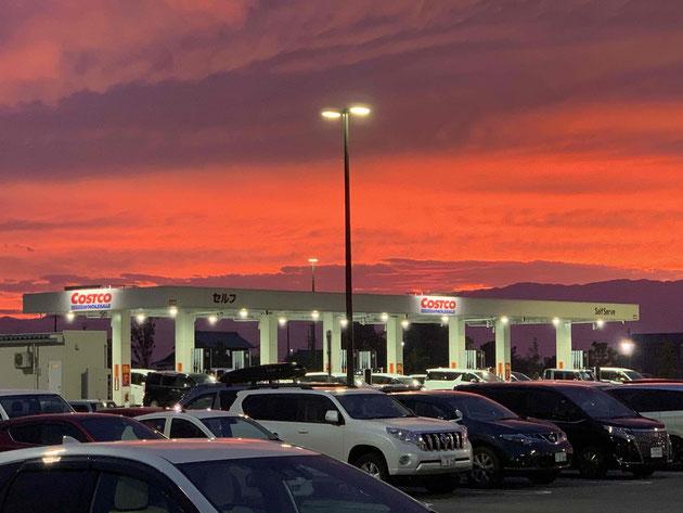 ポインセチアのように真っ赤な夕焼け。@コストコ羽島店
