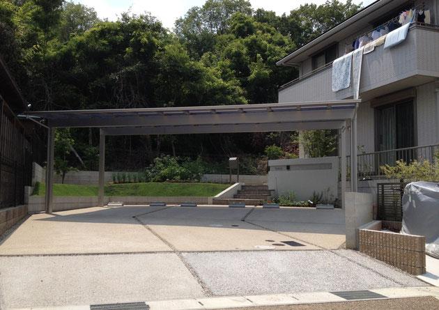 守山区M・H様邸 3台分のカーポートが映えるシンプルモダン外構 完成後の全景