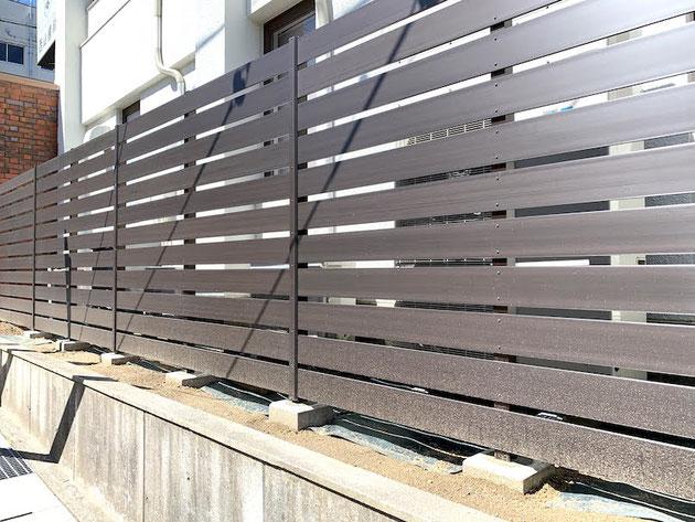 Bフェンスの特徴は隙間を自由に変えられること