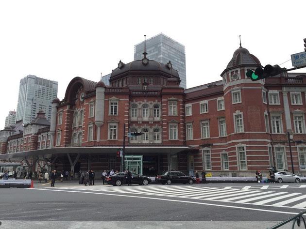 格好いい東京駅!いつも素通りするので、なかなかこの姿を見る事は無い。