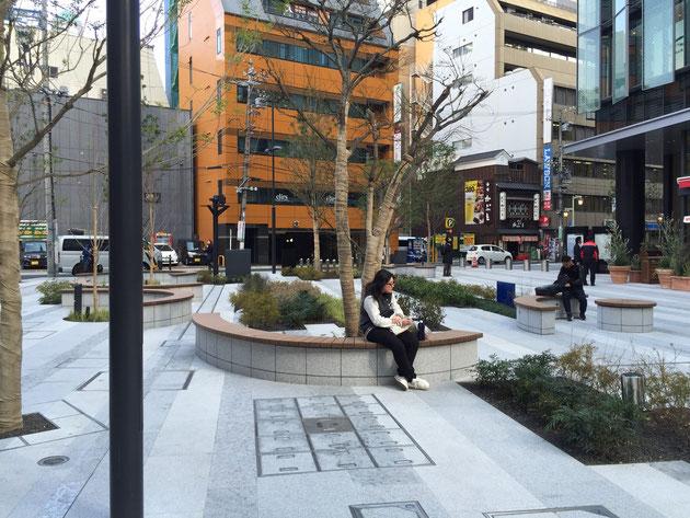 大名古屋ビルジングの裏手にあるオープンスペース。ここは早速人々の憩いのスペースになっているようだ。