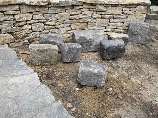 手前に枕木が埋まっていた部分もヨーロッパ産の天然石で埋めてもらいました。