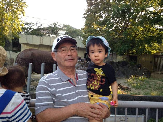 東山動物園を楽しむ社長とガーデンドクター柴ちゃんJ.r