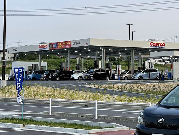 コストコ守山倉庫店のガソリンスタンドに大量の車が!オープンだ!