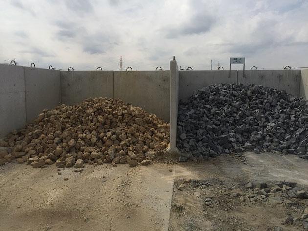 割栗石の一般的な色は右だが、左にある茶色の割栗石が面白い。