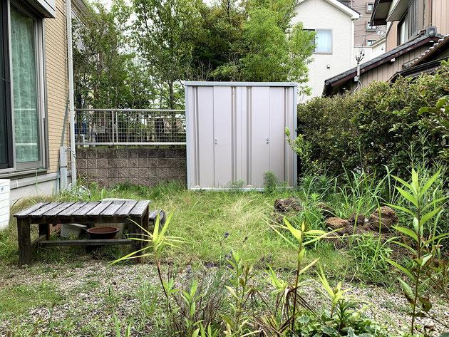 芝生と生け垣がありメンテナンスが大変だったお庭