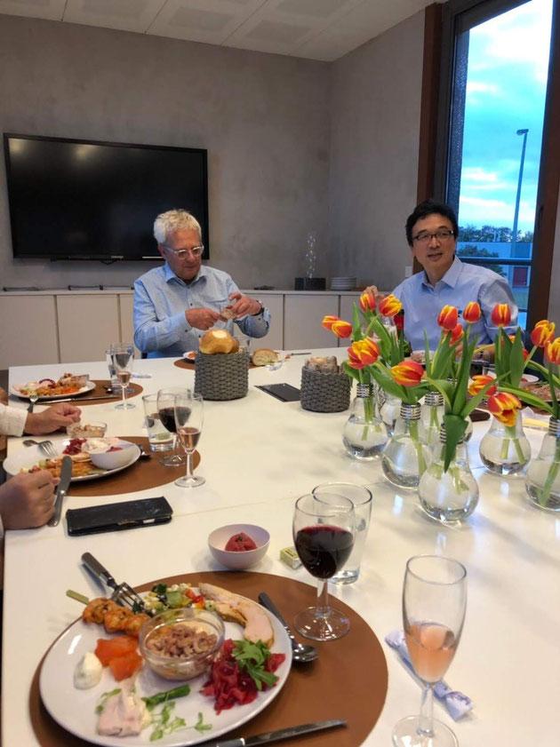 BEAL社の社長と日本エージョンとの滝田さん。