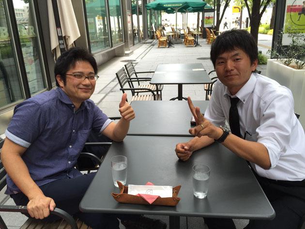 大阪グランフロントにあるオープンカフェが楽しめるお店!規制緩和されているそうです。同じ研修を受けている受毛建材の赤土君と!