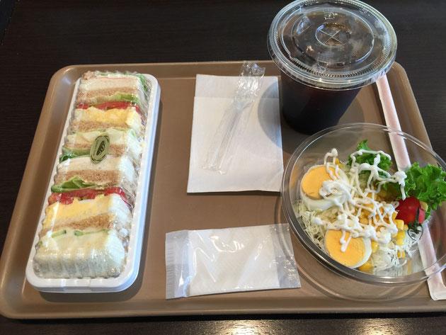水戸の駅に入っているパン屋さんでモーニング!サービスセット510円!やるな!