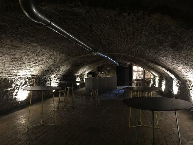 レンガでアーチ状に空間が作られていたビール醸造所内部。雰囲気抜群!!!