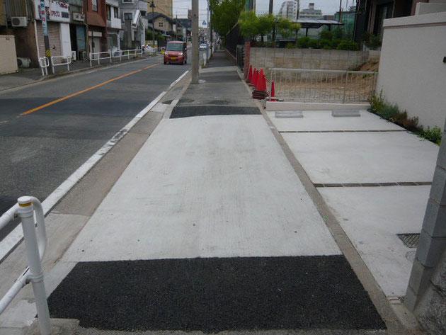 名古屋市内のとある歩道。場所によって色や仕上げが違う!