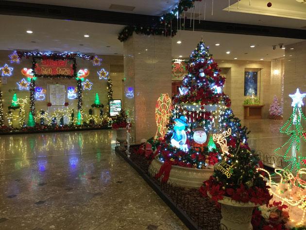 名古屋ガーデン パレスの中もクリスマスイルミネーション一色。