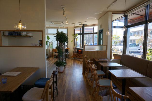 守山区にある「niwa cafe」さんの店内。清潔感あふれて物凄くオシャレ!