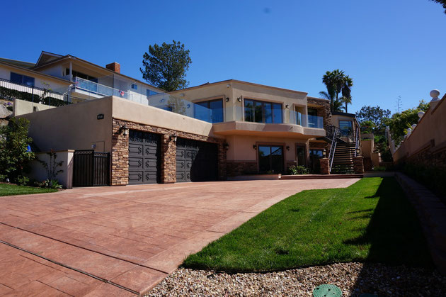 こちらが最初に見学したカリフォルニアの6億円の豪邸。その実力はいかに!?