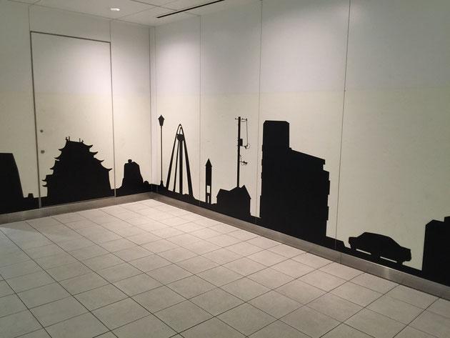 名古屋城、138タワー。東山タワー。名古屋の名所が影になっている。