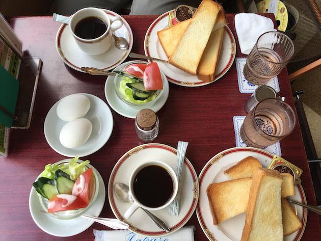 トーストとサラダとゆで卵!トーストとコーヒーはおかわり自由!!!