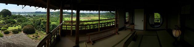 偕楽園にある好文亭の2階からの素晴らしい眺め。Iphoneのパノラマ機能で撮影。