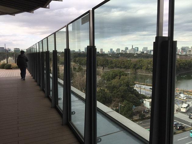 皇居を見渡せる東京ミッドタウン日比谷の屋上庭園