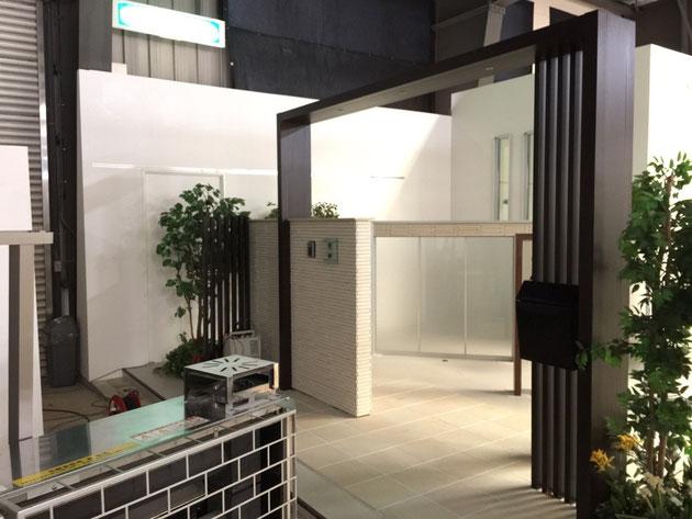 テグランネオと組み合わせて使えるオプション デザイナーズパーツ フラットアーチとガラスパネル
