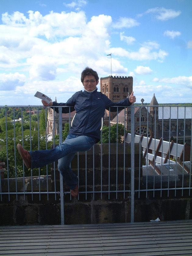 柴ちゃんが住んでいたイギリスの町には塔がありました