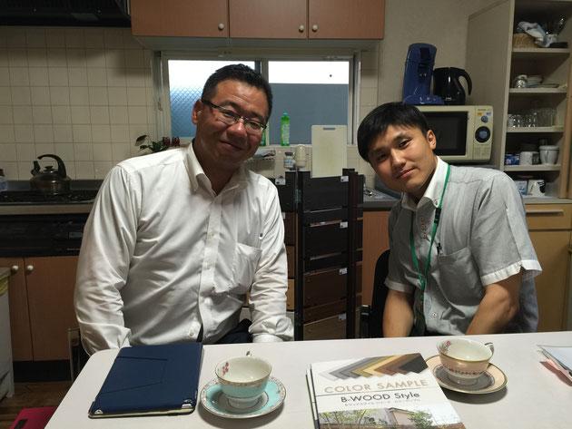 昨日来社いただいた株式会社F&Fの杉本部長(左)と三富の酒井さん(右)。ご縁を感じます!!!