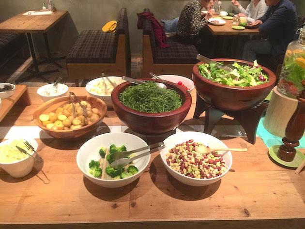 T-GREEN'Sさんの有機野菜のサラダバー