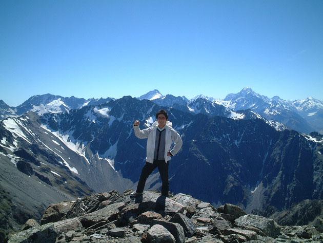 ニュージーランドの一番高い山マウント・クックの山頂にて お庭ネタじゃ有りませんが・・・