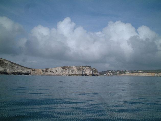 次の日は快晴!!!イギリスのチョークで出来た海岸線を見ながらヨットは進む!