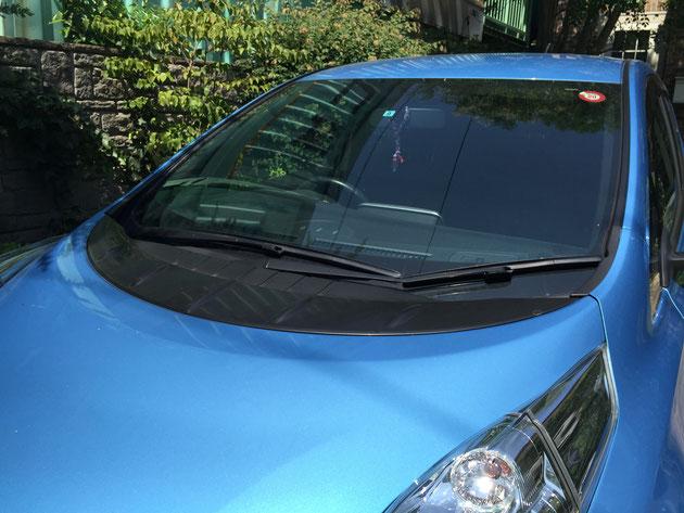 今回はガーデンドクター柴ちゃんの愛車。日産の電気自動車「リーフ」の車内で実験を行いました!