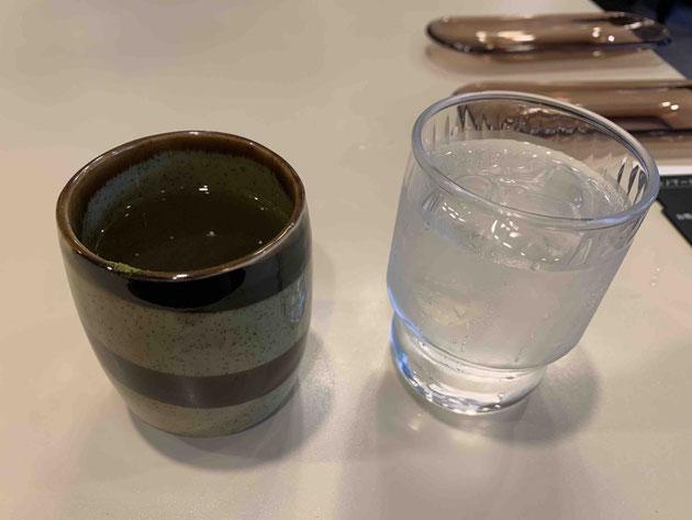 ルノアールでお茶のおかわりが出てきた。