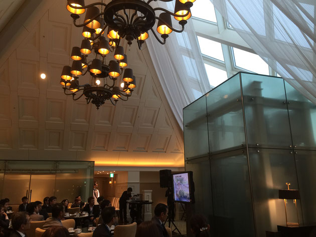 モダンとクラッシックが融合する空間。こんな素敵な場所が東京ステーションホテルにあったなんて!